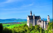 Summer Neuschwanstein Castle Tour by Bus with Bike Ride