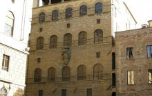 Palazzo Davanzati (Florence)