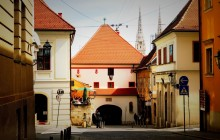 Mix 'n' Mingle Walking Tour of Zagreb with Funicular