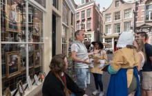 Total Amsterdam Relax Tour: Pancakes, Souvenirs and a Boat Cruise