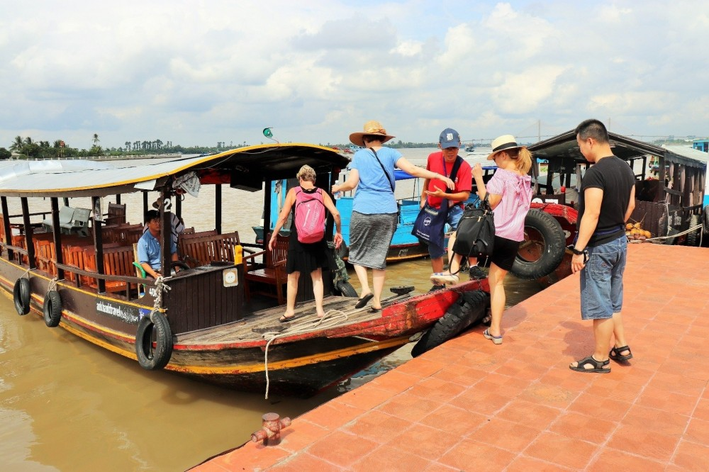 Small Group Mekong Discovery Boat Cruise