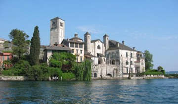 A picture of 4 Day Italian North Lakes and Verona Tour from Milan