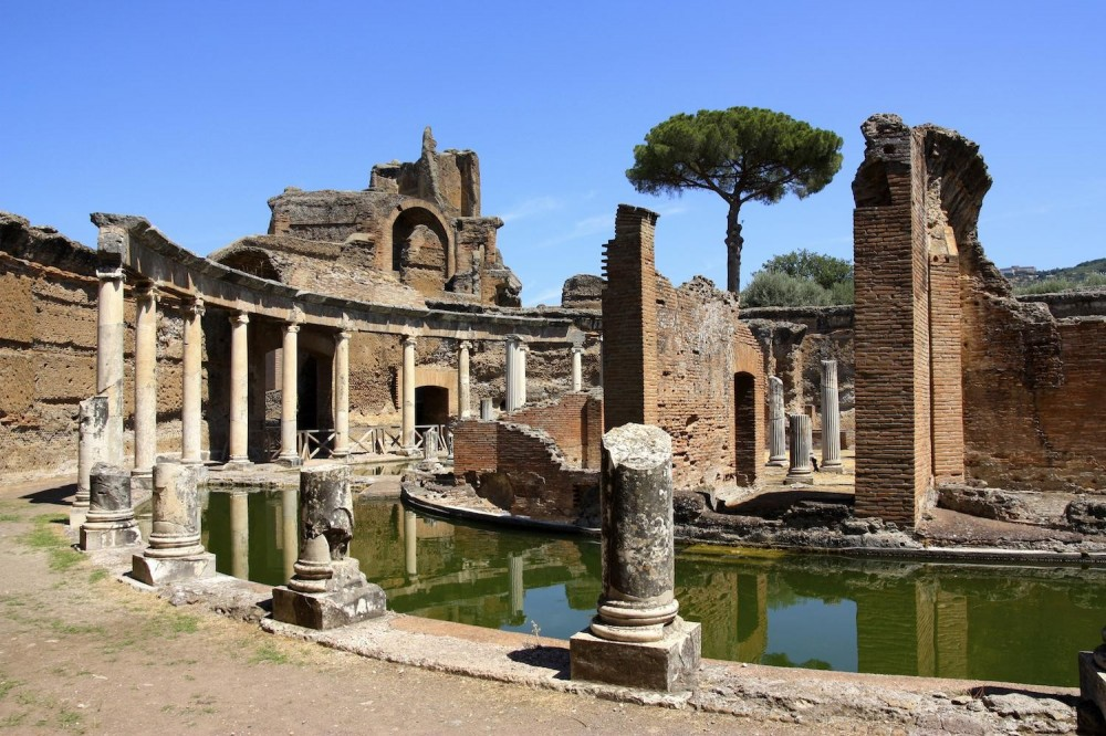 Villa d'Este and Hadrian's Villa in Tivoli from Rome